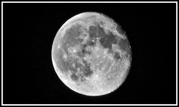 Pleae click the moon photo to view the full gallery