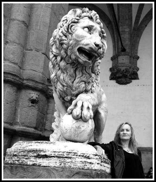 Sarah  the Medici Lion 2