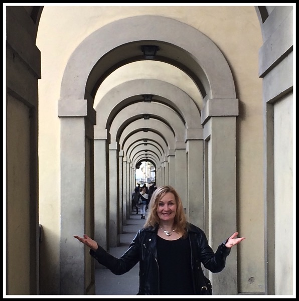 Sarah owning the Vasari Corridor