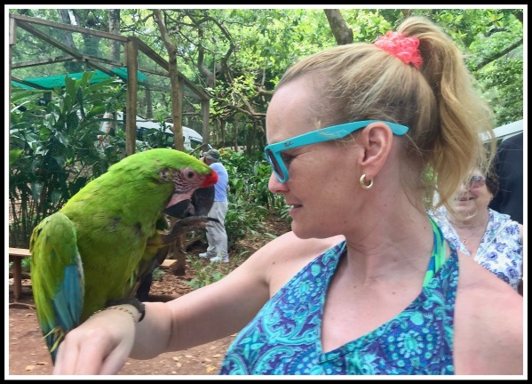 3 Roatan Sarah and the Parrot