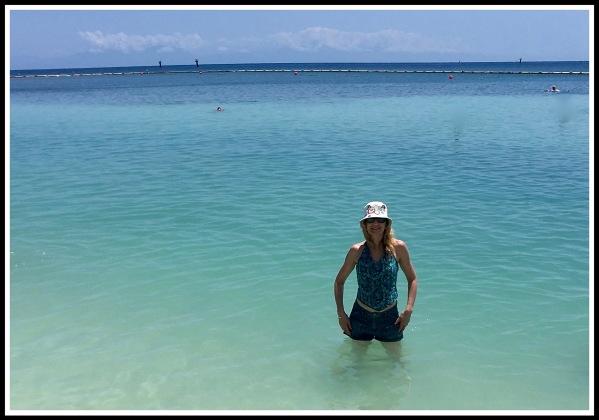 9 Roatan Sarah in the Sea